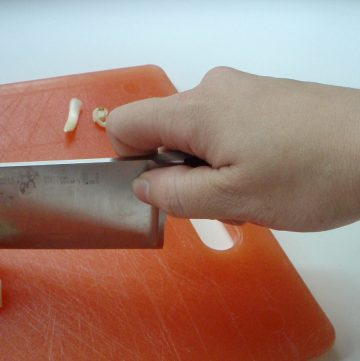 The How-To Kitchen: Chopping Garlic