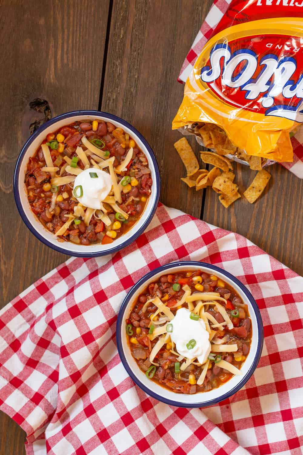 vegetarian chili with toppings