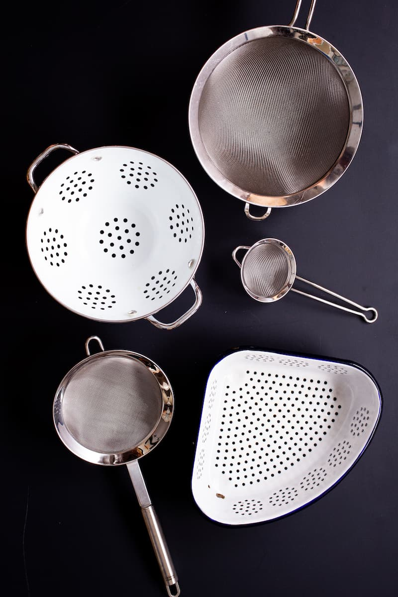 Fine Mesh Strainers vs Colanders: What to Use When