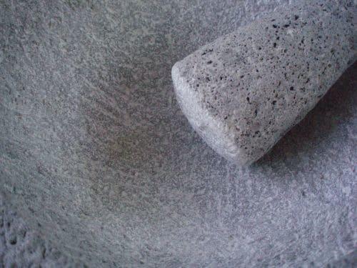 seasoning a molcajete