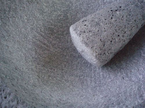 seasoning a molcajete