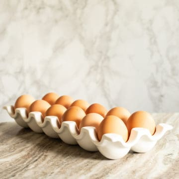 large eggs vs. extra large eggs, via www.goodfoodstories.com
