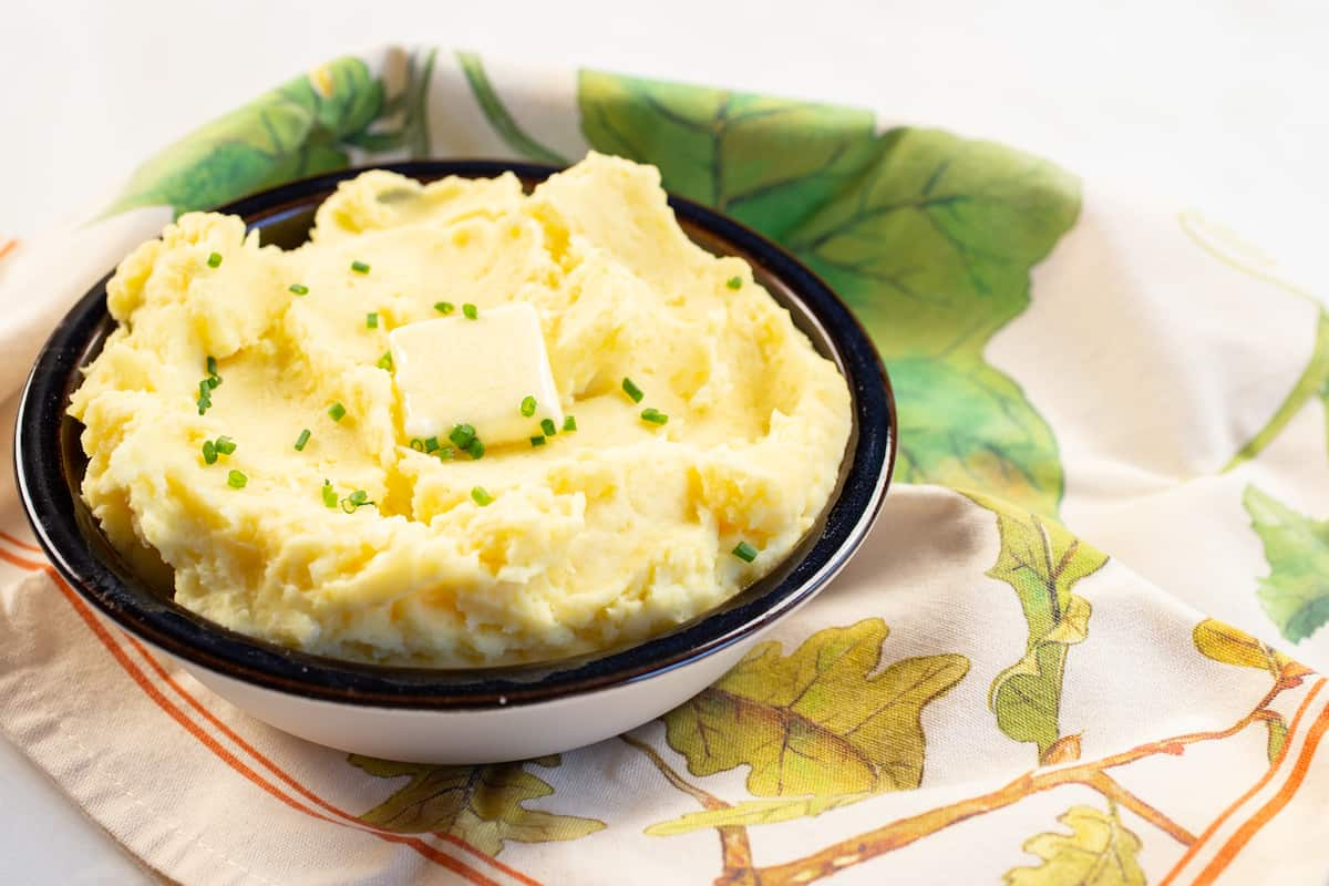 Homemade Mashed Potatoes 3 Ways: Stovetop, Instant Pot, and Slow Cooker