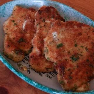 cutlets spicy garlic chicken cutlets with spicy spicy garlic kale ...