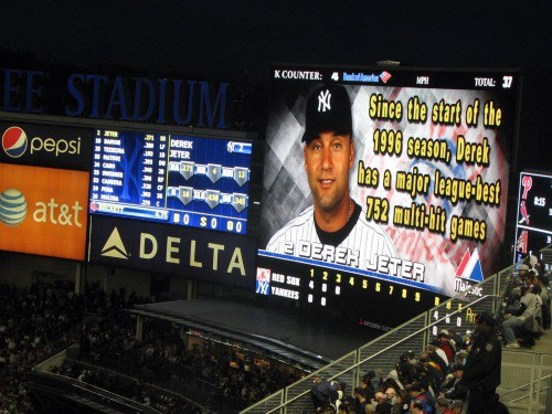 yankees stadium, derek jeter, food