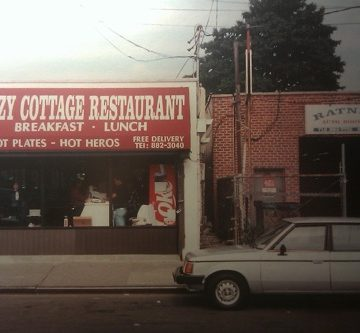Double-Wide Meals at Cozy Cottage