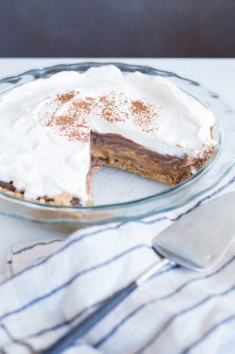 chocolate salted caramel pretzel pie