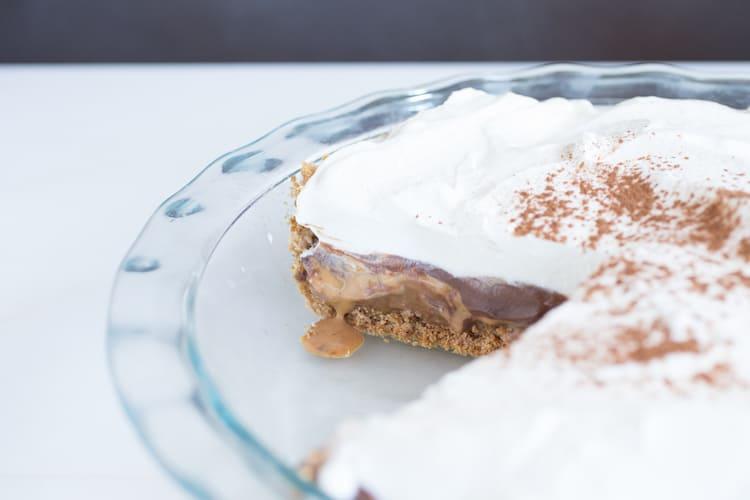 Salty-Sweet Caramel Chocolate Pretzel Pie, via www.www.goodfoodstories.com