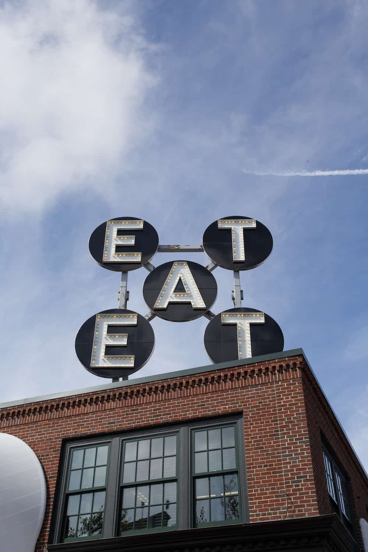 Robert Indiana EAT sculpture