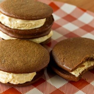 maple gingerbread ice cream sandwiches