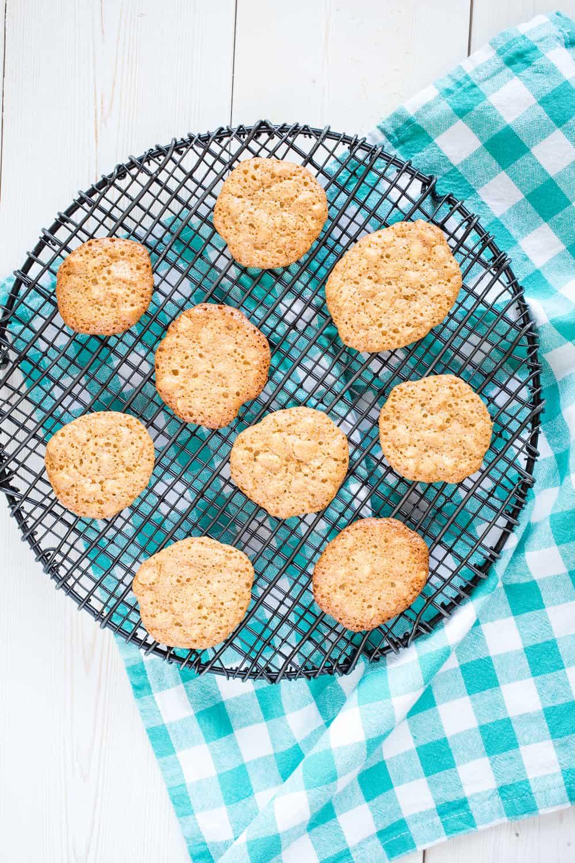 groundnut cakes - peanut cookies