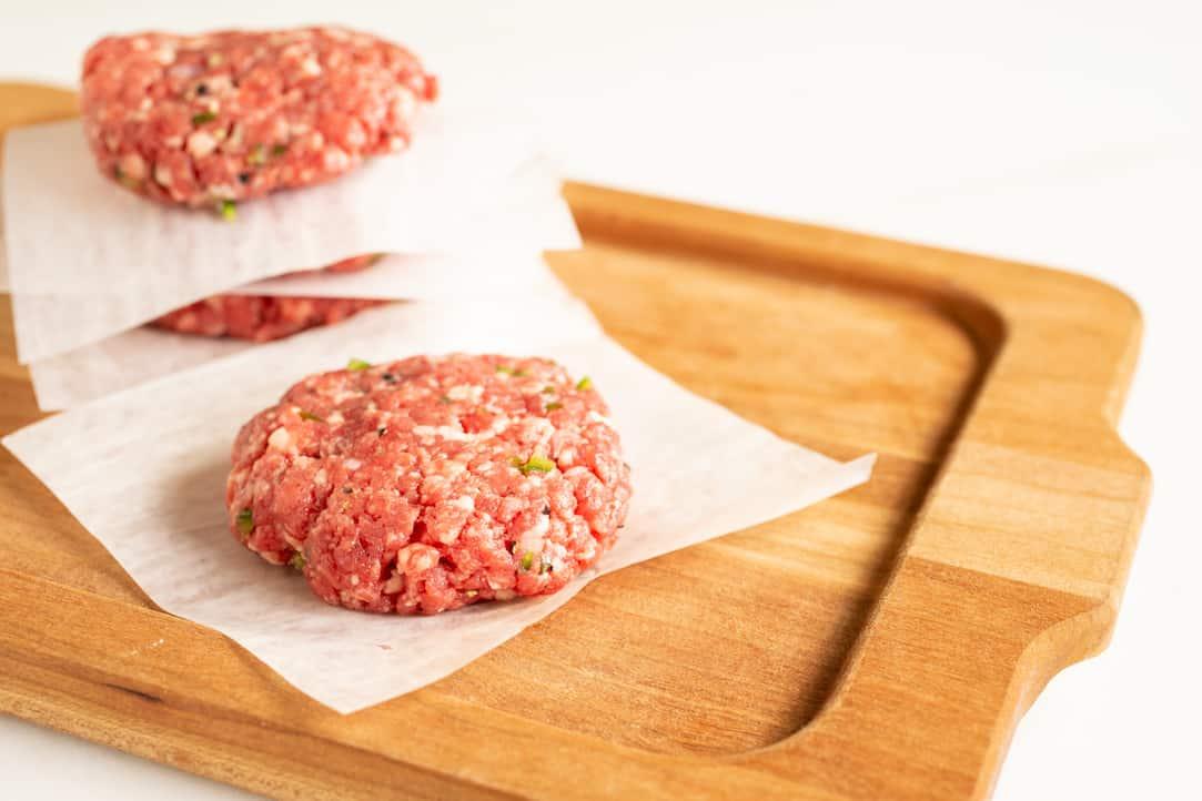 how to grind burger meat and make jalapeno garlic hamburgers