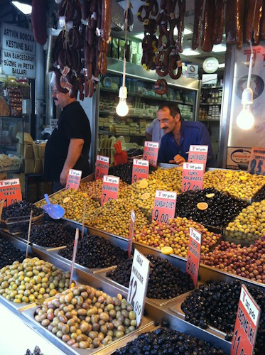 market olives in Istanbul, via www.www.goodfoodstories.com