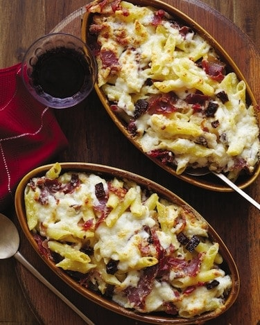 Baked Penne with Garrotxa, Serrano ham, and sundried tomatoes, via www.www.goodfoodstories.com