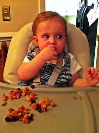 harvest fruit bake finger food for kids, via www.www.goodfoodstories.com