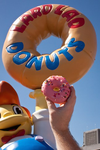 Simpsons Lard Lad Donut at Universal Studios Florida, via www.www.goodfoodstories.com