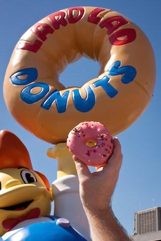 Simpsons Lard Lad Donut at Universal Studios Florida, via www.www.goodfoodstories.com