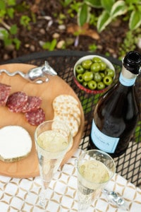 wine pairings for picnics and BBQs, via www.www.goodfoodstories.com