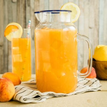 bourbon peach lemonade