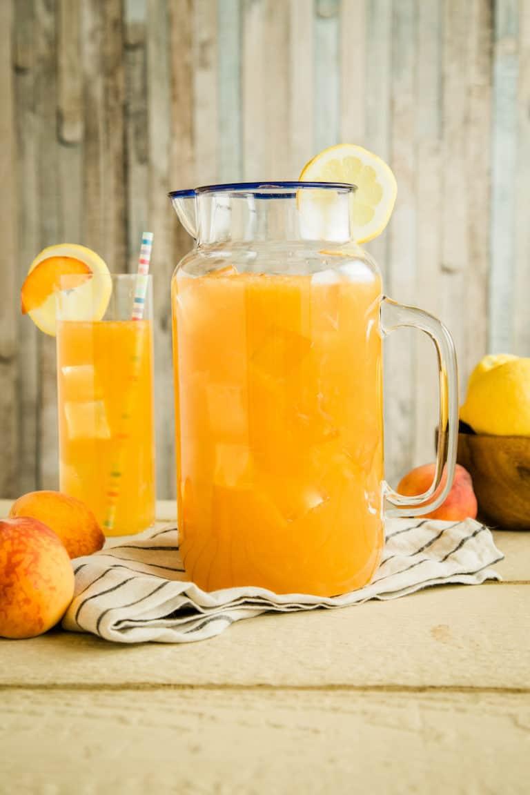 Bourbon Peach Lemonade for Daytime Drinking