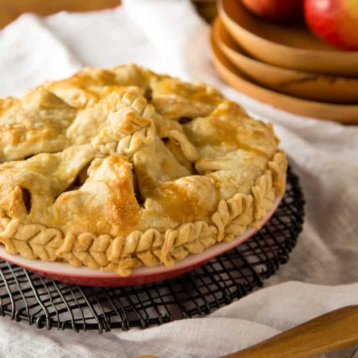 apple pie with brie and honey