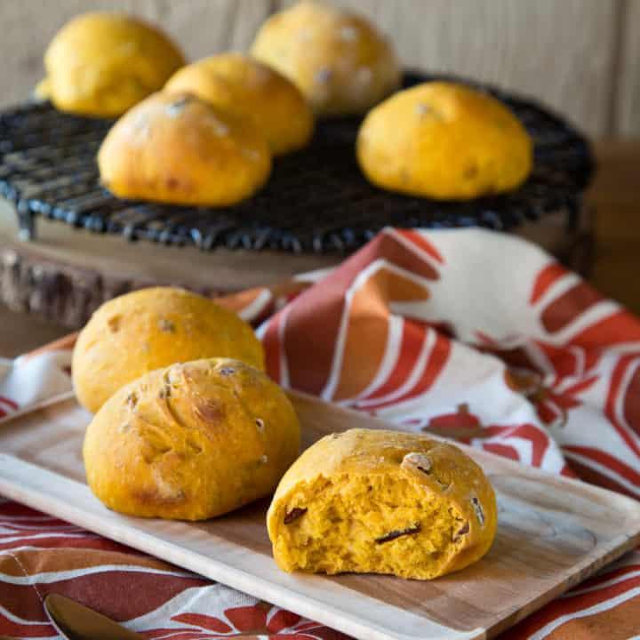 pumpkin nut dinner rolls