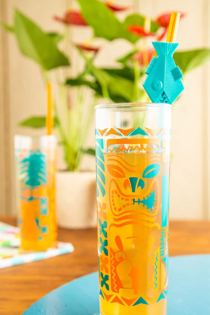 A tiki whiskey sour gives you a tropical vibe even as temperatures start to drop with the first hint of fall. #tikidrinks #whiskeysour