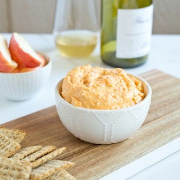 butternut squash and goat cheese spread - a surprisingly perfect pairing, via www.www.goodfoodstories.com