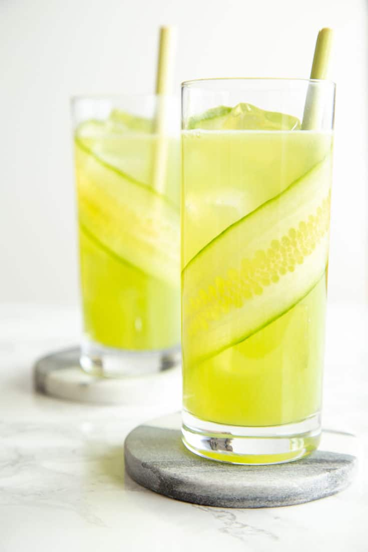 Lemongrass cucumber cocktails are as refreshing as a day at the spa—with a boozy kick! #batchcocktails #summercocktails #lemongrass