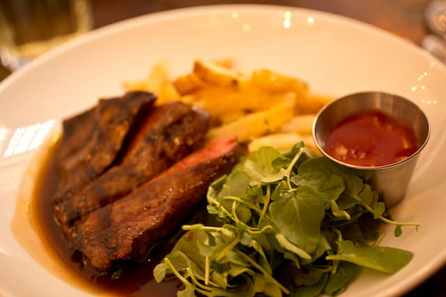 steak at Fraunces Tavern in New York City