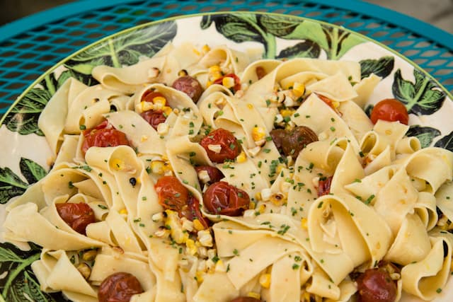 summer charred corn and tomato pasta, via www.www.goodfoodstories.com