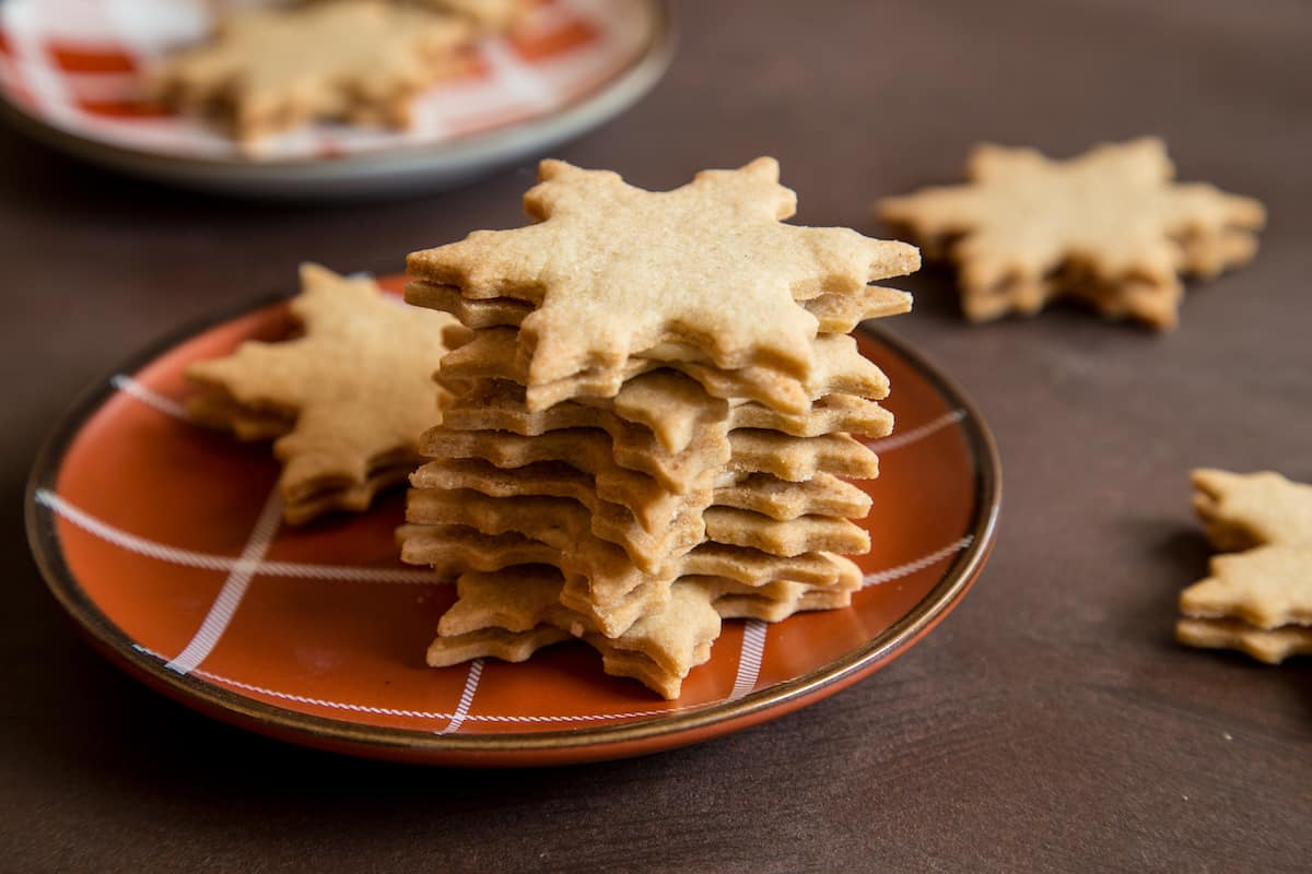 maple cream sandwich cookies, via goodfoodstories.com