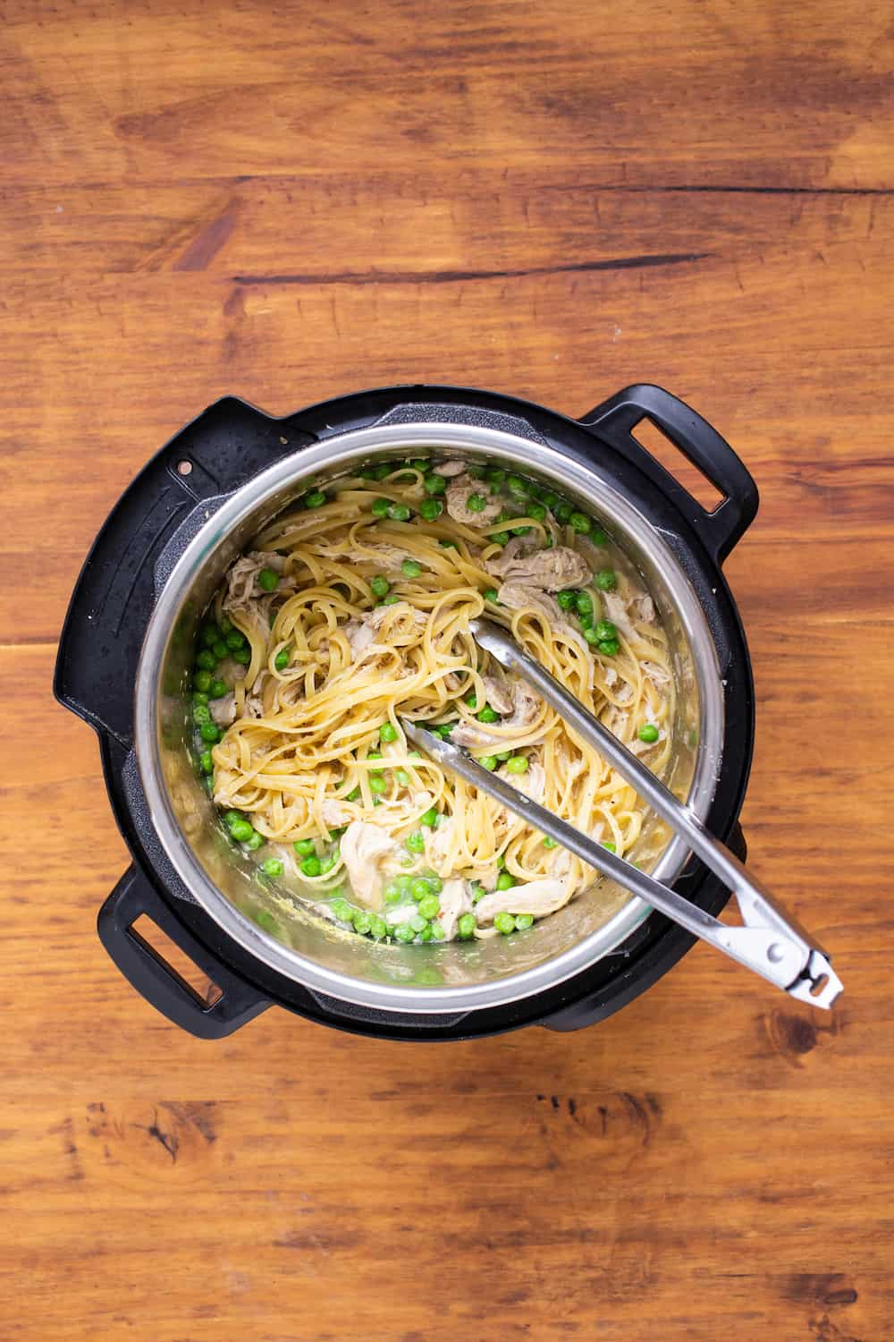 Instant Pot chicken pasta with peas
