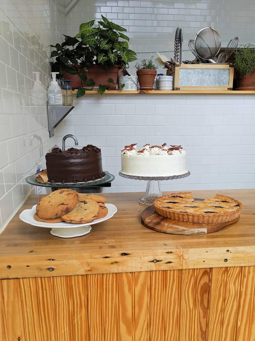 Lorelei pastry station