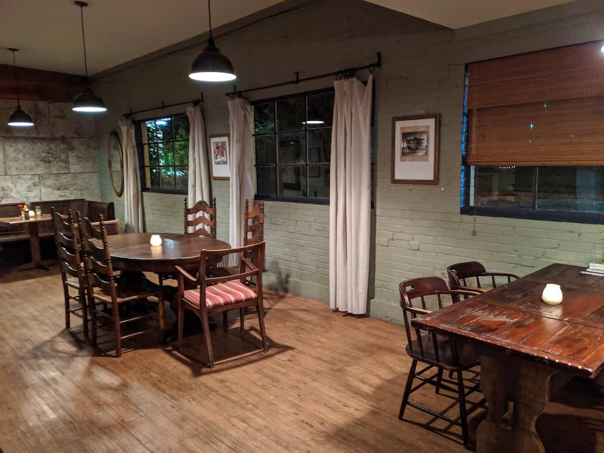FourWay interior in Cuba, Missouri