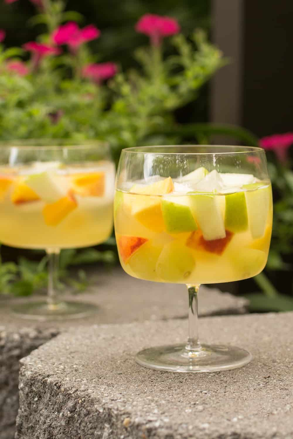 Vinho Verde Sangria for Summer